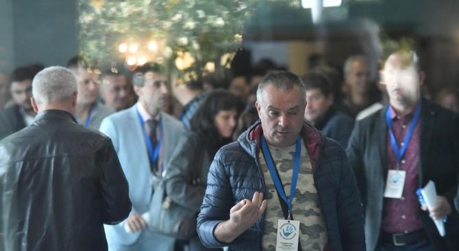 Политолог: Конспиративното учредяване на партията на Слави Трифонов е отвъд всякакви нормални граници