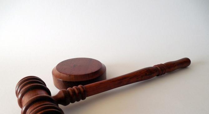 """Съдът поиска """"задържане под стража"""" за шофьора, убил момиче на пешеходна пътека"""
