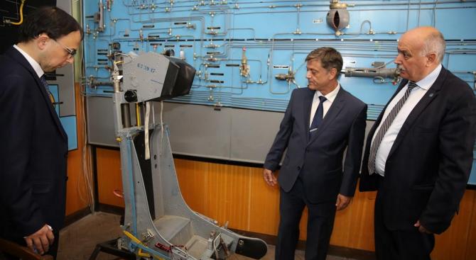 Ген. Константин Попов в Долна Митрополия: Важното е, че от 1 януари 2020 г. България ще има свое Висше военновъздушно училище