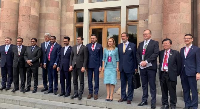 Вицепремиерът Николова участва в официалното откриване на 23-ия Световен конгрес по информационни технологии
