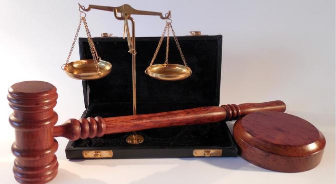 Осъдиха родителите на бившия италиански премиер Матео Ренци за измами