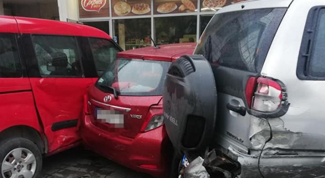 Пиян помете шест паркирани автомобила в Пловдив