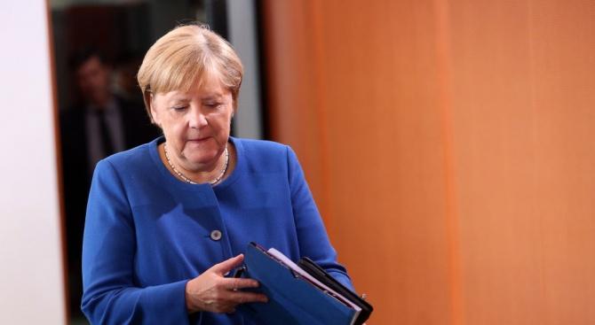 Меркел предупредила Джонсън, че е изключително малко вероятно да се постигне споразумение за Брекзит