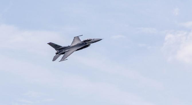 Американски военен самолет катастрофира в Германия