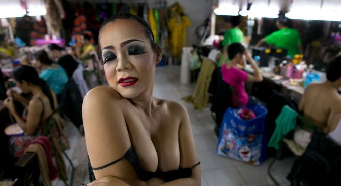 Италианска джендърка взе 374 хил. евро за провалена смяна на пола ѝ