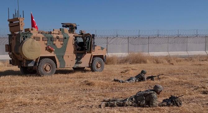 Турската армия продължава с настъплението си в Сирия