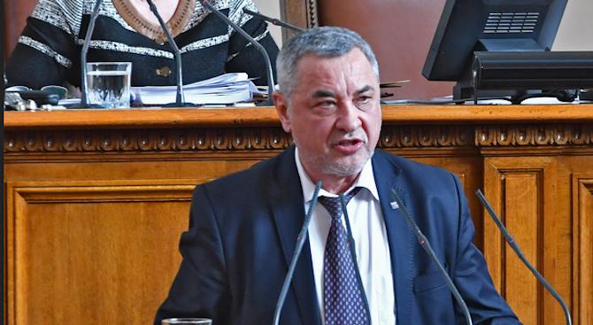 Валери Симеонов: В декларацията трябва да се иска възстановяване на българските военни гробища в Северна Македония