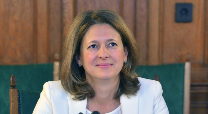 Джема Грозданова: С позицията ни за Македония и Албания демонстрираме национално достойнство
