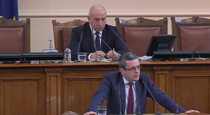 Тома Биков за Северна Македония: В момента има геополитически прозорец, от който можем да се възползваме