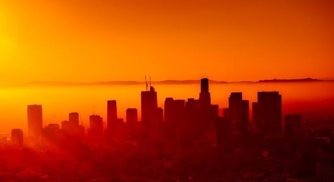 Възстановено е електроснабдяването на 228 000 клиенти в Калифорния