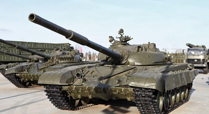 За първи път от 10 години Министерството на отбраната ремонтира танкове Т-72