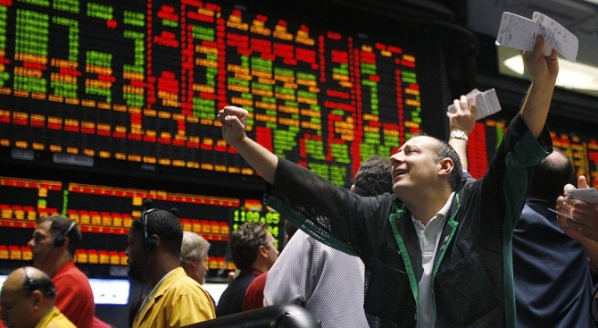 Уолстрийт затвори с повишение на основните индекси