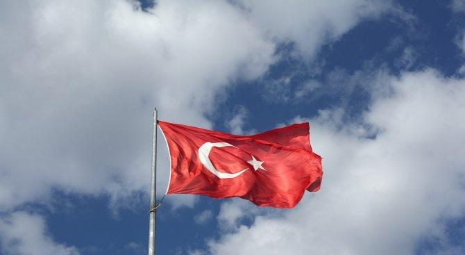 В Тунис гласуват на втория тур на президентските избори