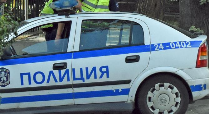 Пребиха млад мъж пред заведение в Шумен