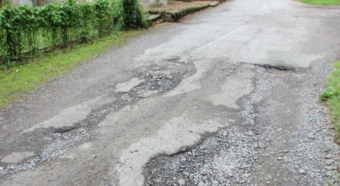 ¼ от пътните настилки в страната са в лошо състояние