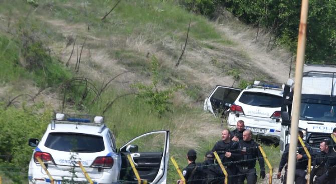 Продължава разследването на убийството в Костенец