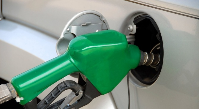 Юрист от БПГА: Около 2-3 стотинки е печалбата на една бензиностанция
