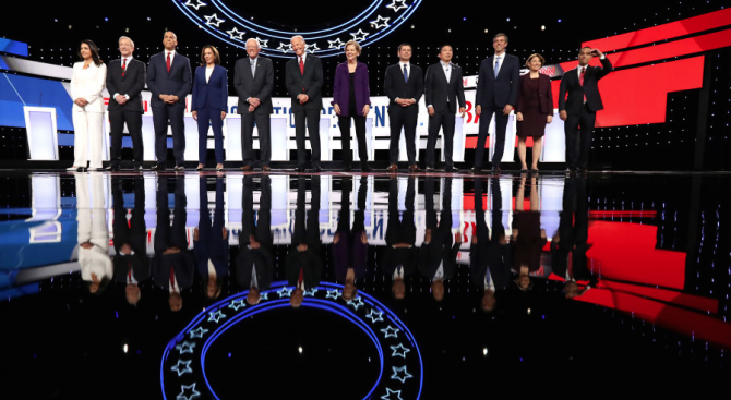 Всички претенденти на демократите за изборите в САЩ догодина, единодушно призоваха за импийчмънт на Тръмп