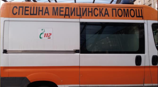 Моторист с опасност за живота след катастрофа във Велико Търново