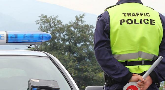 Хванаха мъж, разпространявал фалшиви шофьорски книжки в Лом