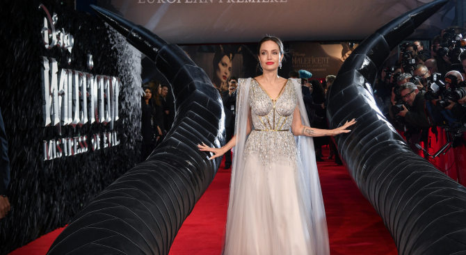 """Анджелина Джоли и Мишел Пфайфър се борят за надмощие в """"Господарка на злото 2"""""""