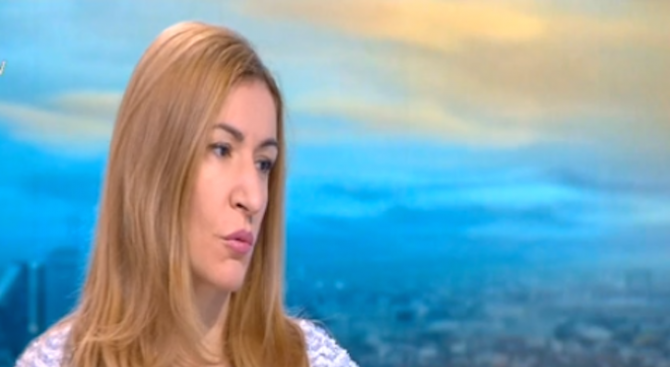 Ангелкова: Не мисля, че към момента има индикации за фалити на други туроператори
