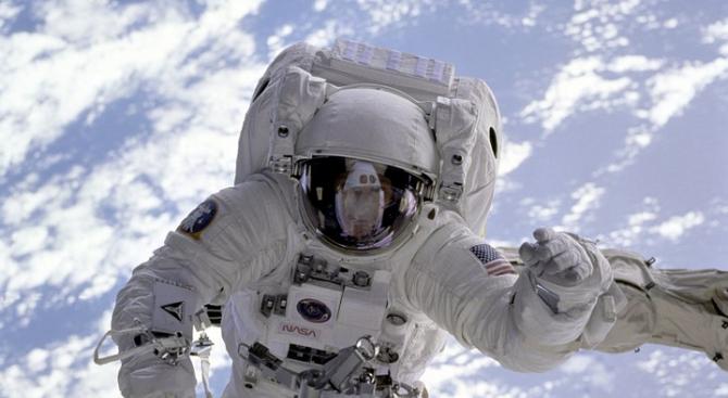 Япония ще се присъедини към американската лунна програма