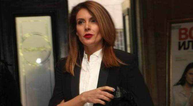 Диана Любенова поведе битка с рака на гърдата
