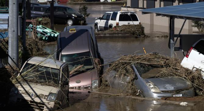 100 000 японски домакинства без вода шести ден заради тайфуна Хагибис