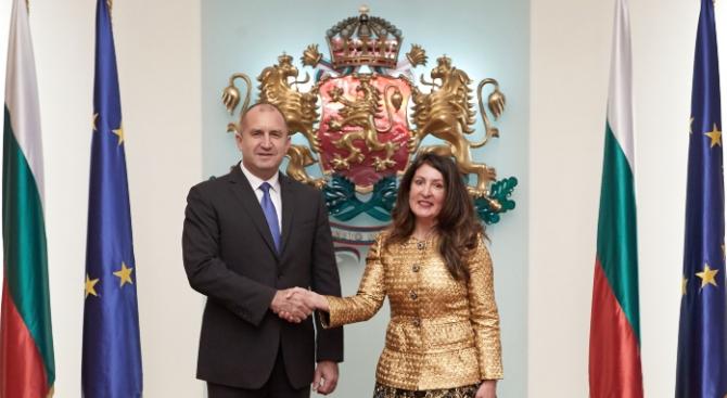 Посланик Херо Мустафа връчи акредитивните си писма на президента