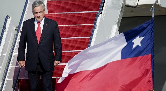 Президентът на Чили обяви извънредно положение след бунтове срещу поскъпването на транспорта
