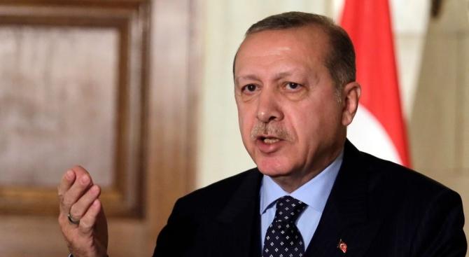 """Ердоган заяви, че ще """"разбие главите"""" на кюрдските бойци в Сирия, ако те не се изтеглят в срок от 120 часа"""