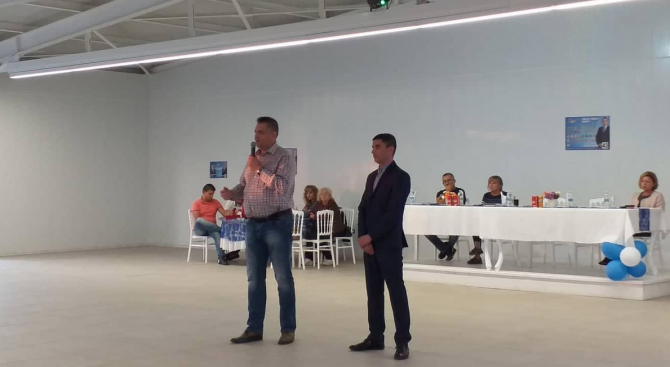 Валентин Василев пред жители на село Дянково: Подкрепата към ГЕРБ расте, защото хората виждат промяната