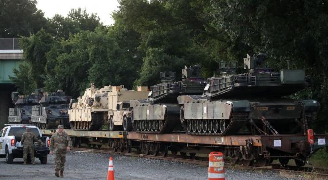 В Литва започна да пристига бронирана техника за механизирания батальон на САЩ