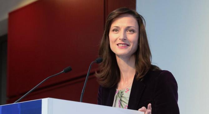 Мария Габриел: Защитата на човешкото достойнство трябва да остане водеща в политиките за изкуствения интелект