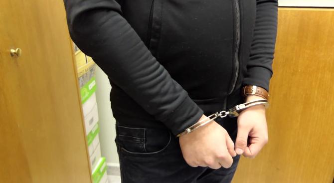 Арестуваха мъж, следил системно бившата си съпруга