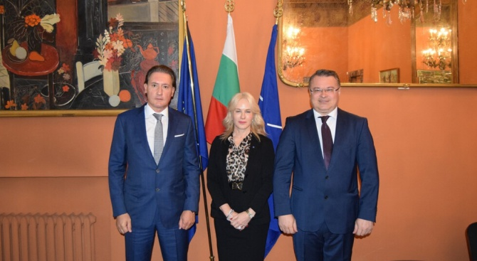 Кирил Домусчиев се срещна в Рим с президента на Конфиндустрия Винченцо Боча