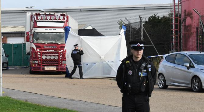 Европейски лидери с реакции за намирането на 39 тела в камион във Великобритания
