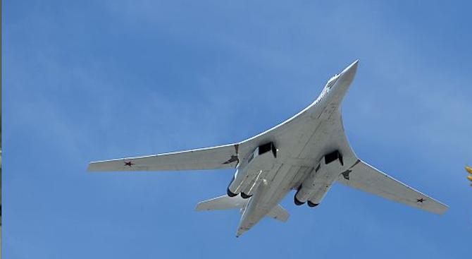 Два руски бомбардировача Ту-160 пристигнаха на мисия в РЮА