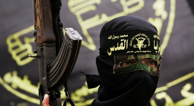 Над 100 джихадисти от ИД са избягали от затвори в Сирия