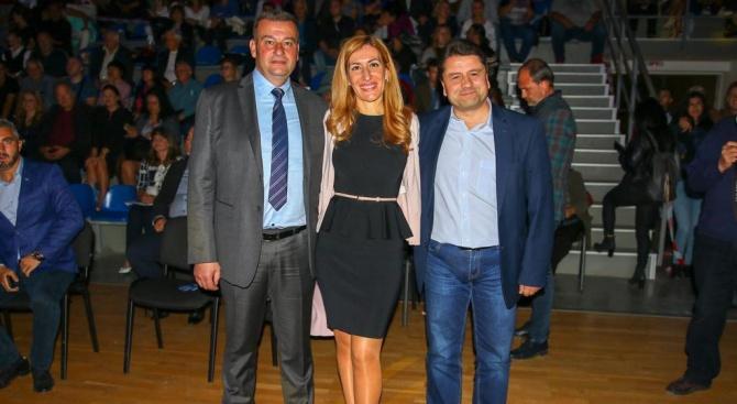 Николина Ангелкова: Кандидатът на ГЕРБ за кмет на Сливница Васко Стоилков работи за просперитета на общината, резултатите са видими