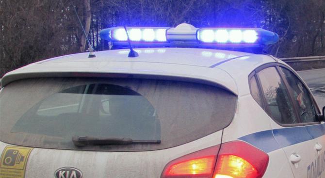 """Кола блъсна и уби мъж между кв. """"Коматево"""" и с. Първенец в област Пловдив"""