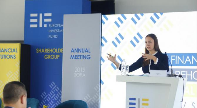Ева Майдел: България е 4-та в ЕС по инвестиции от плана Юнкер спрямо БВП