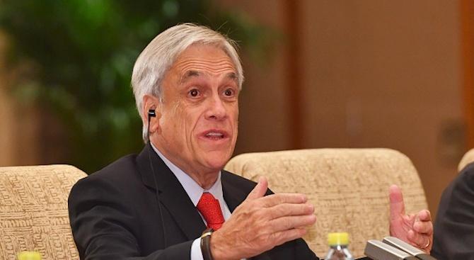 Чилийският президент поиска оставката на всички министри