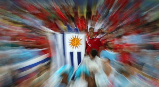 Кандидатът на левицата води на президентските избори в Уругвай, ще има втори тур