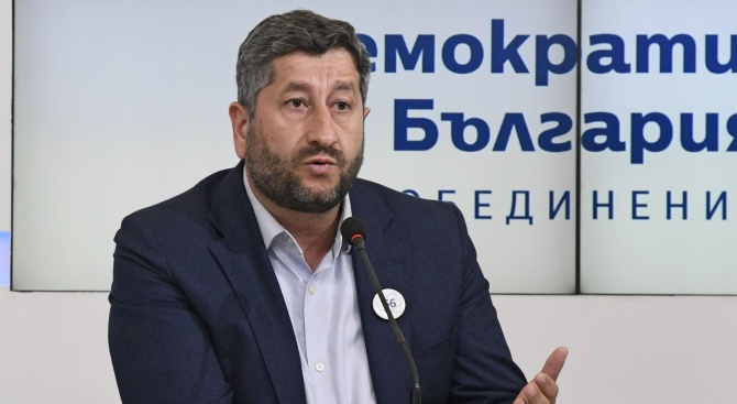 Демократична България не подкрепя нито Фандъкова, нито Манолова за балотажа в София