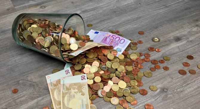 Най-ниски заплати на Балканите взимат в Северна Македония