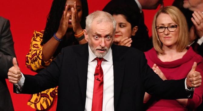Лидерът на британската опозиция: Готови сме за предсрочен вот
