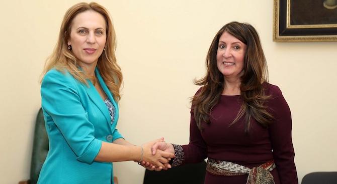 Вицепремиерът Марияна Николова се срещна с посланика на САЩ Херо Мустафа