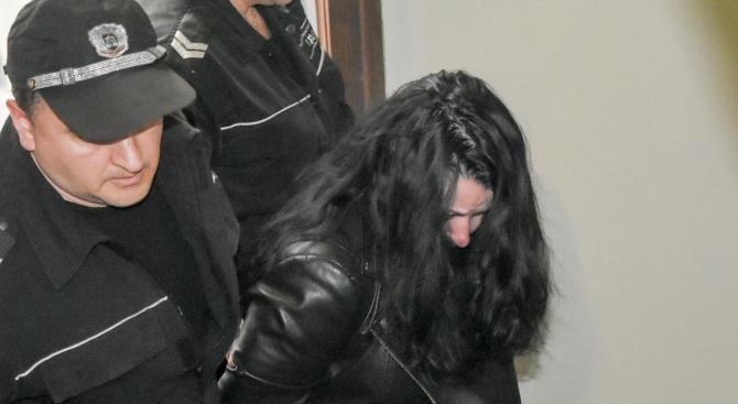 """Затвор за жената, причинила автобусната катастрофата на АМ """"Тракия"""" с 6 жертви"""